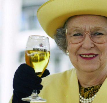 Єлизаветі II – 94!Нагода спробувати 4 улюблених коктейлі королеви