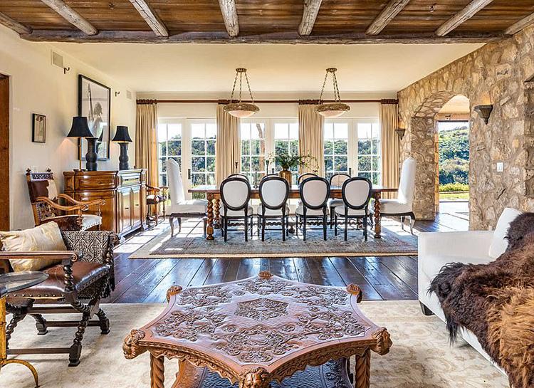 Меган Маркл и принц Гарри покупают особняк у Мела Гибсона