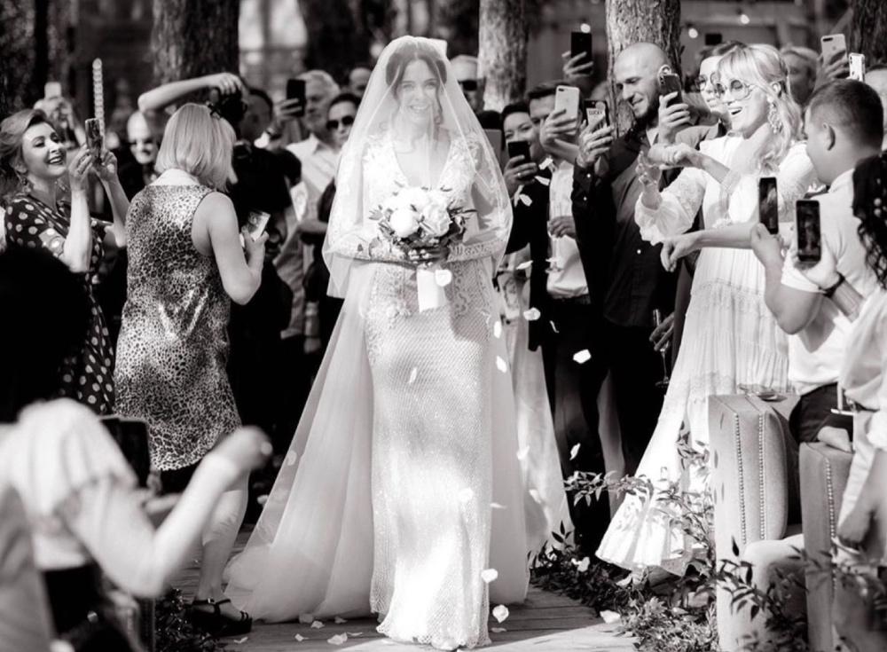 Потап и Настя отмечают первую годовщину: пересматриваем фото со свадьбы