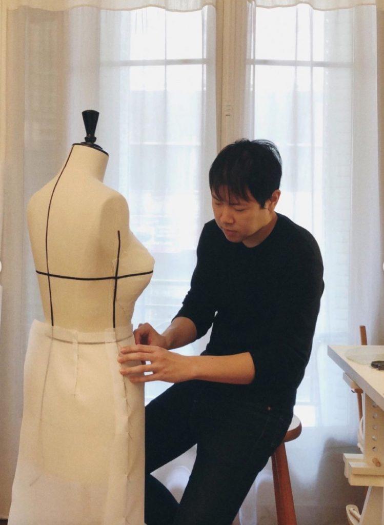 Любов до справи: майстри Dior шиють кутюрну колекцію на дому