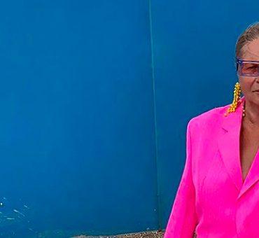 Симон Порт Жакмюс снял свою бабушку в летнем кампейне бренда Jacquemus
