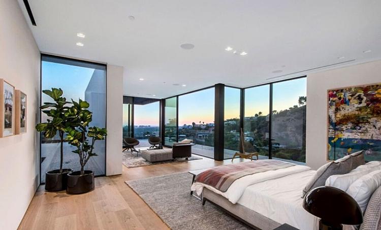 Роскошнее некуда: новый особняк Арианы Гранде за $13 миллионов