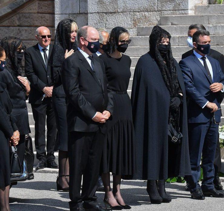 Строгий дресс-код и траур: князь Альберт и княгиня Шарлен впервые за долгое время вышли в свет