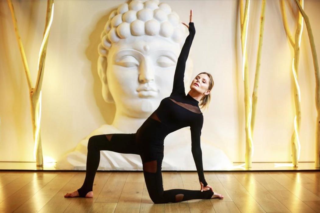 День йоги: 15 прикладів світських практикуючих