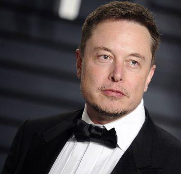 Илон Маск прокомментировал слухи о сексе втроем с Карой Делевинь и Эмбер Херд