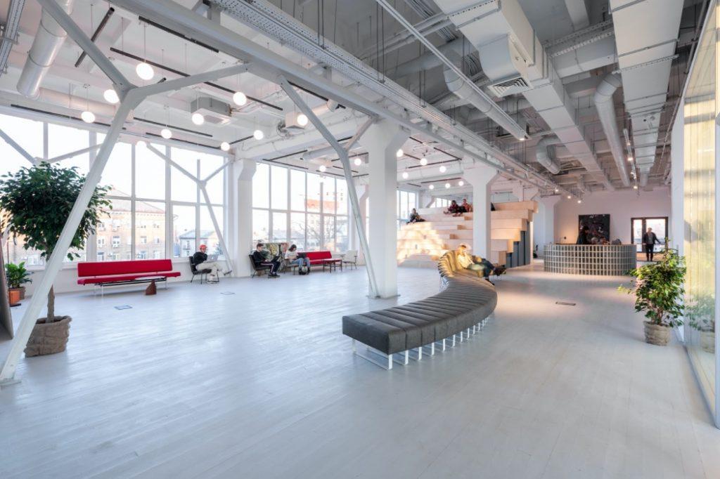 «Сто дней одиночества»: в пространстве Kooperativ открывается концептуальная выставка