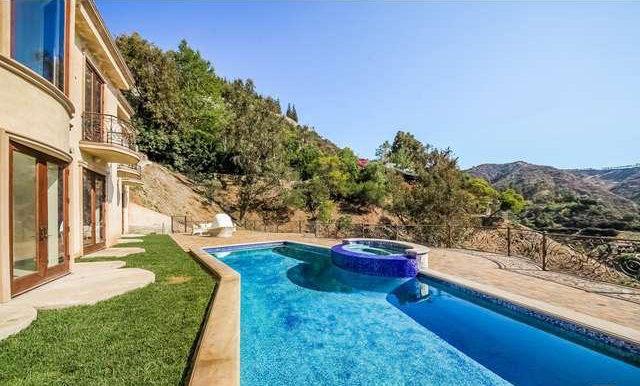 В гостях у Аріани Гранде: вілла в Лос-Анджелесі за $ 40 000 на місяць