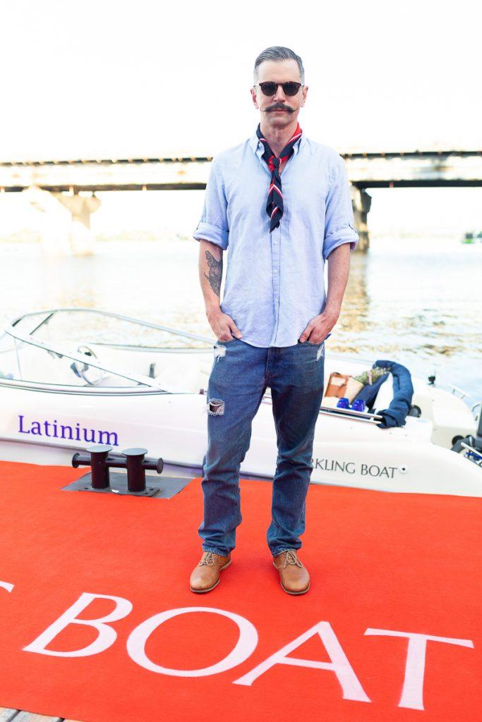 Презентація сервісу авторських прогулянок Дніпром Sparkling Boat