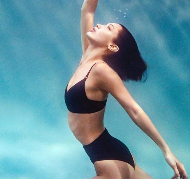 Белла Хадід стала обличчям нової лінійки купальників Calvin Klein