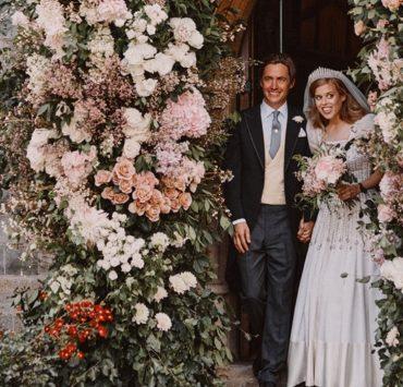 Фото дня: перші кадри з таємного весілля принцеси Беатріс і Едоардо Мапелло Моцці