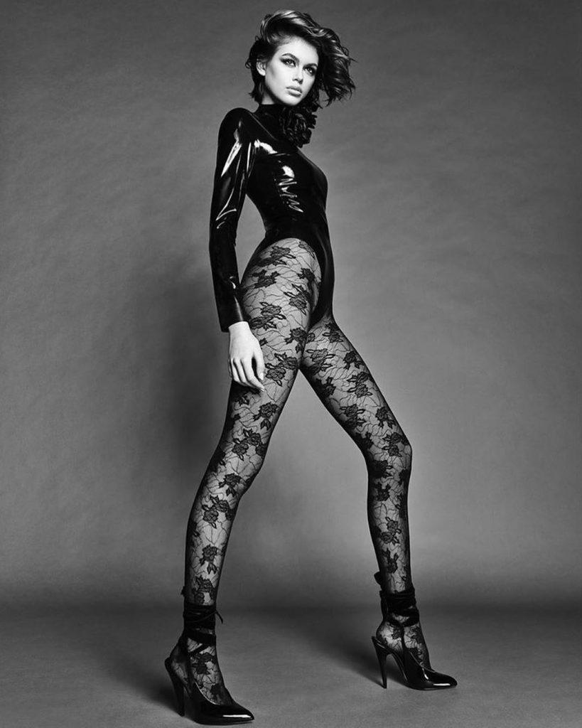 Гарячі кадри: оголена Кайя Гербер на сторінках Vogue Japan
