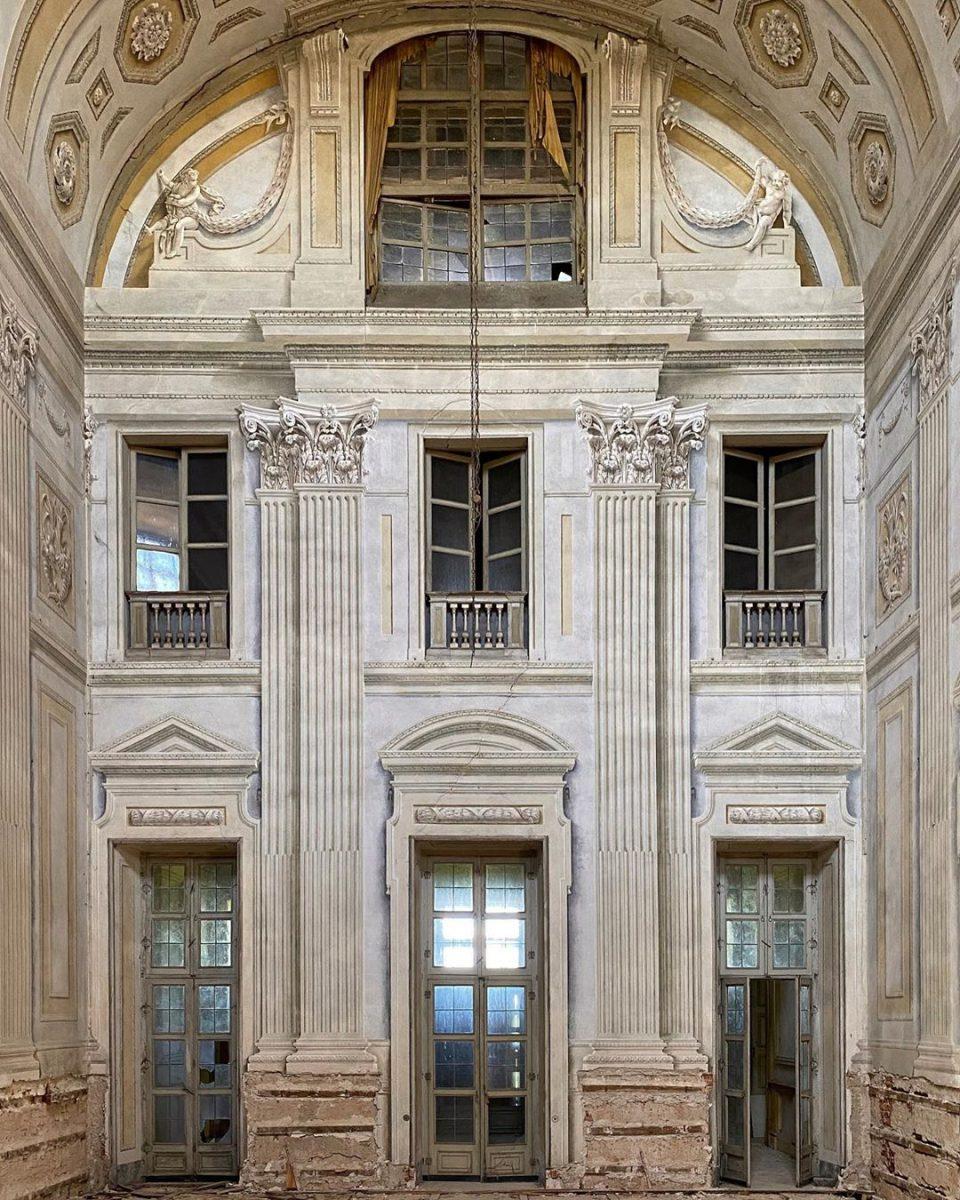 Інстаграм тижня: краса занедбаних італійських палаців в акаунті @paolo_abate
