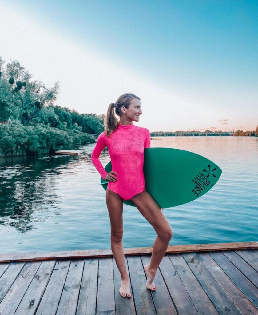 Лето в разгаре: 15 знойных фото светских модниц