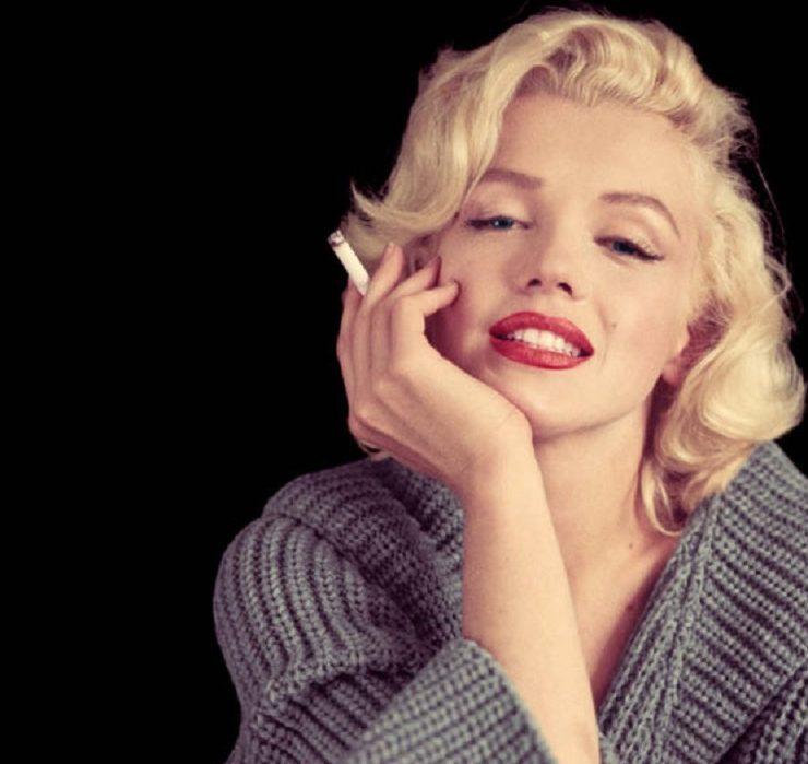 Платок Мэрилин Монро спас парижский театр от банкротства