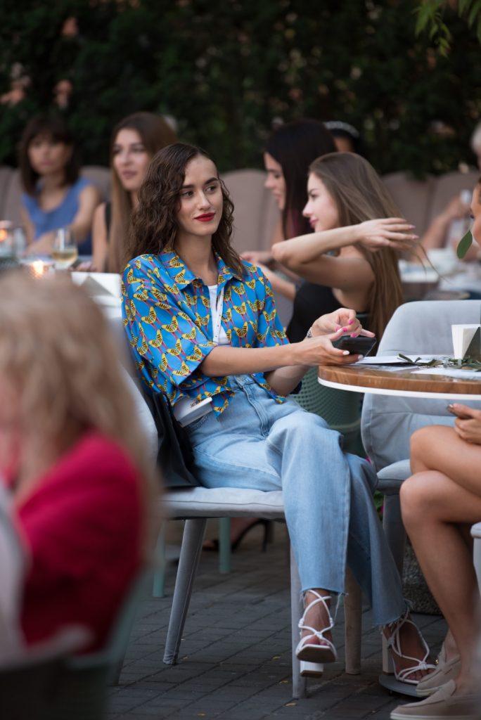 Поэтический вечер Мартины Макeeвой в ресторане Kritikos