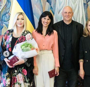 Пам'ятний кадр: Маша Єфросиніна, Потап і Тіна Кароль на врученні державних нагород