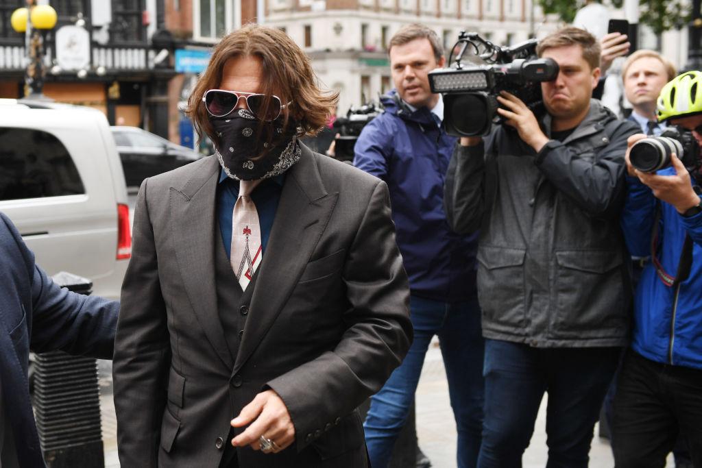 «Расчетливая женщина-нарцисс, социопатка»: Джонни Депп дал показания против Эмбер Херд