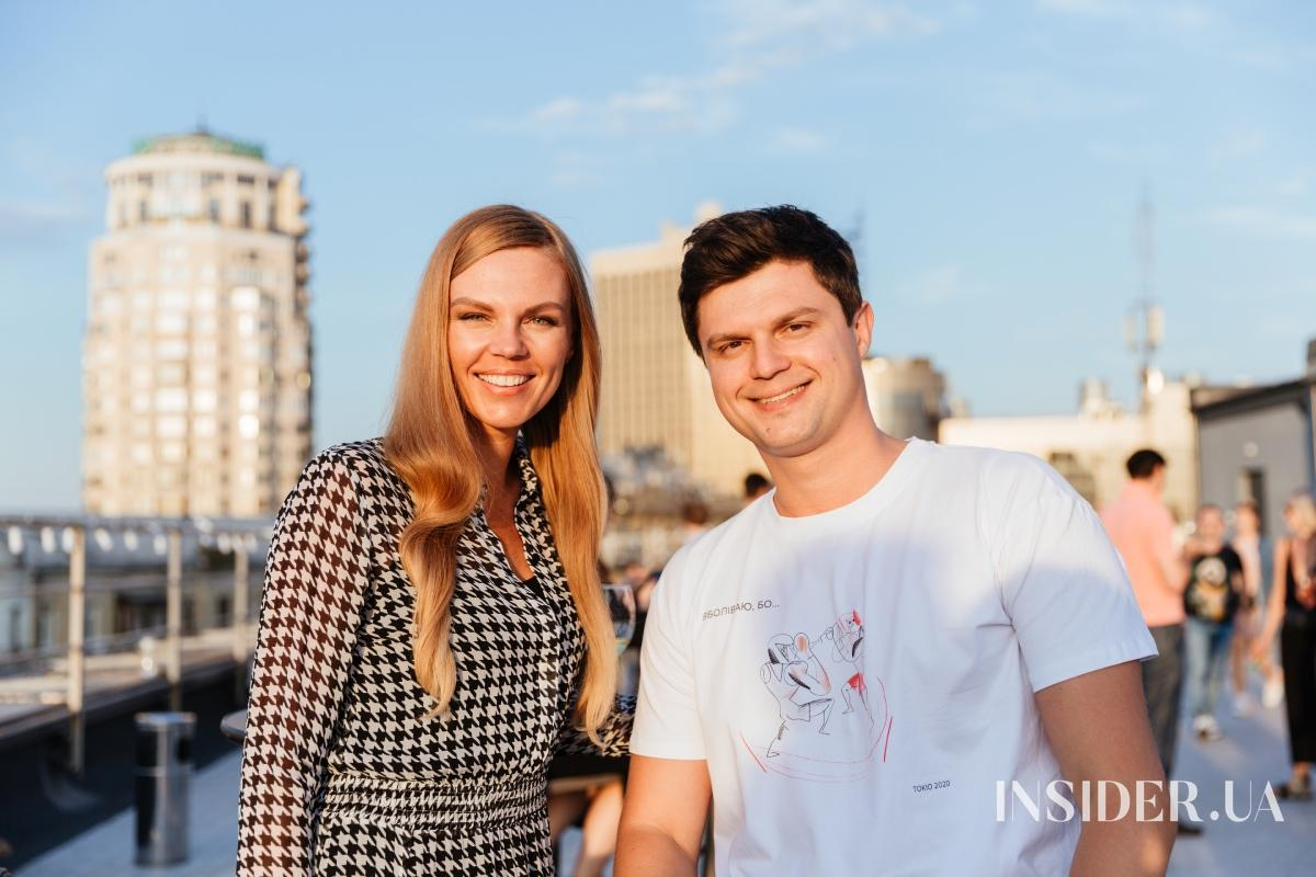Вечер на крыше: открытие инсталляции Алексея Золотарева «Роза ветров. Документ»