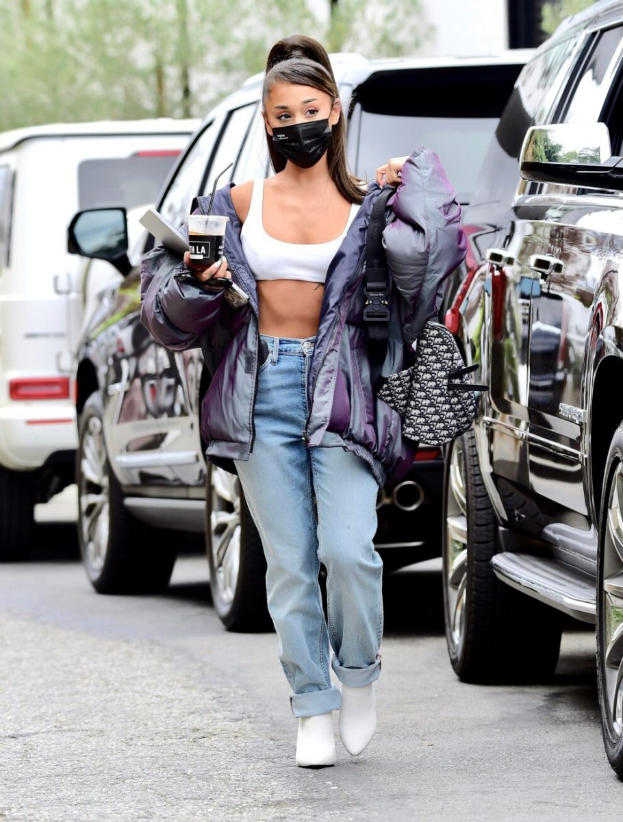 #Носители: Ариана Гранде в топе украинского бренда CULTNAKED
