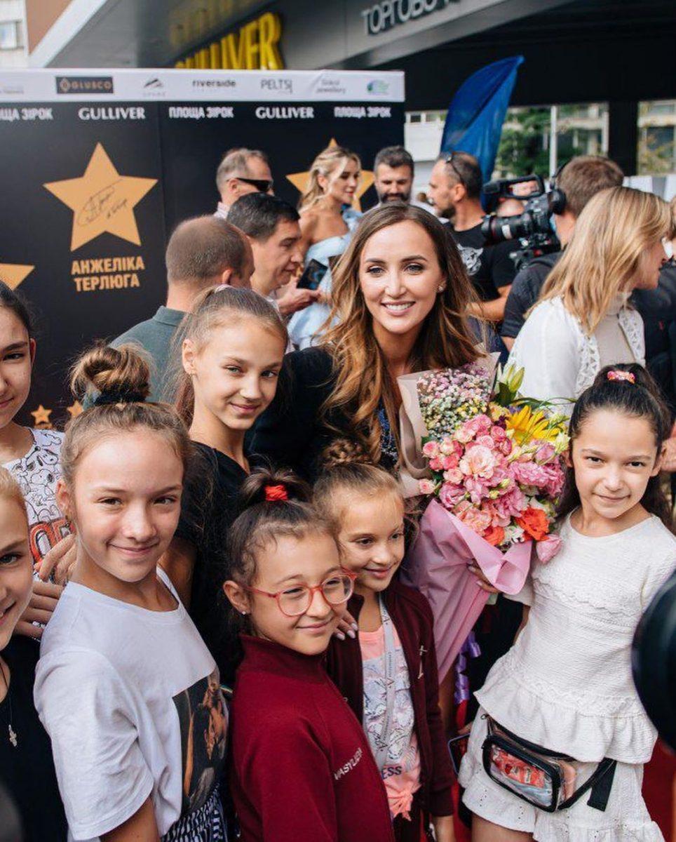 Анна Ризатдинова получила звезду на Площади звезд в Киеве