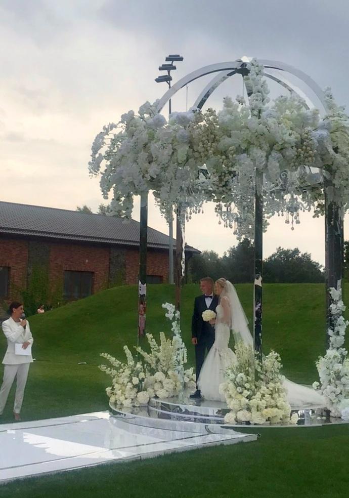Wedding Day: футболіст Олександр Зінченко і Влада Седан зіграли весілля під Києвом