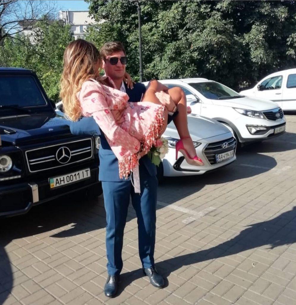 Футболист Евгений Селезнев женился во второй раз