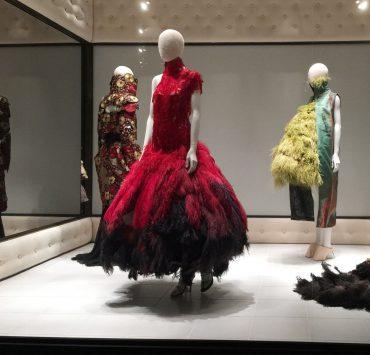 Архівні речі Alexander McQueen продадуть на аукціоні