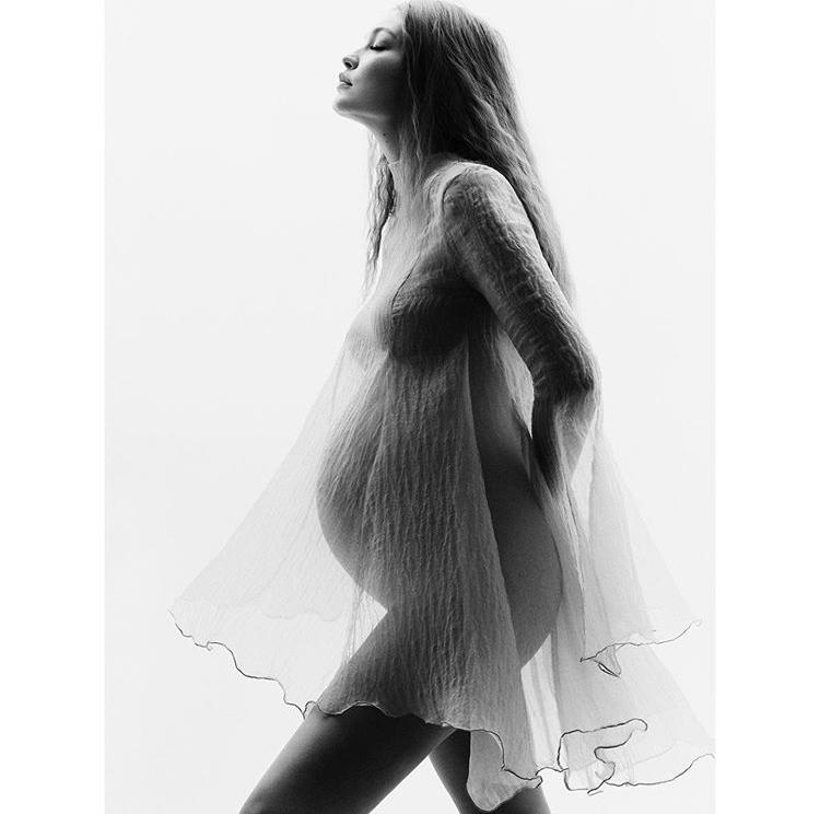 В очікуванні дива: вагітна Джіджі Хадід в новій зйомці