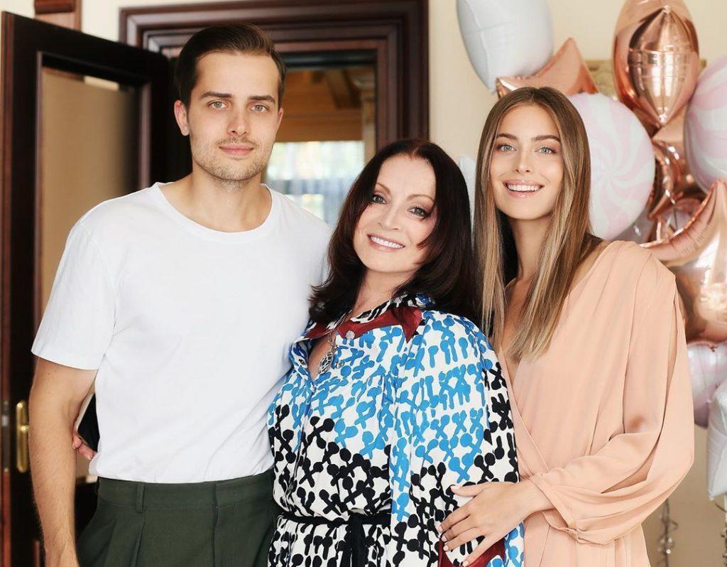 В кругу семьи: София Ротару отметила 73-летие