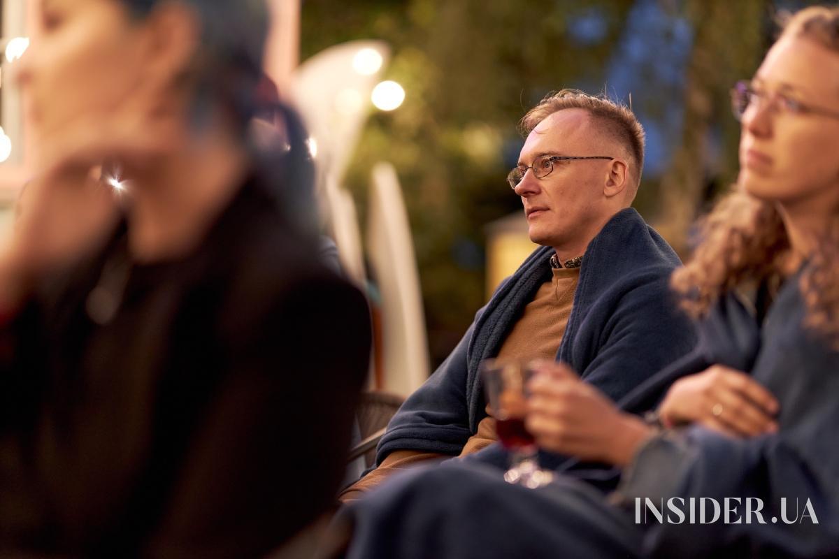 Вечір літературних читань Олени Кравець в Cuba Camp