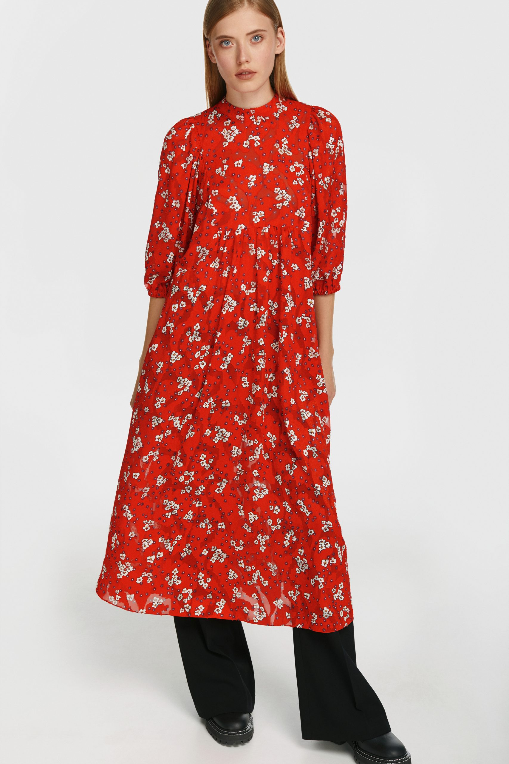 Яскрава клітинка і соковиті осінні фарби на сукнях з нової колекції POUSTOVIT FW 20-21