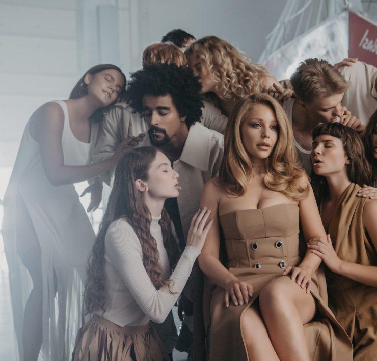 Прем'єра дня: Тіна Кароль випустила новий альбом і кліп-трилогію «Знайти своїх»