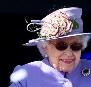 Єлизавета II не планує повертатися в Віндзор для виконання королівських обов'язків