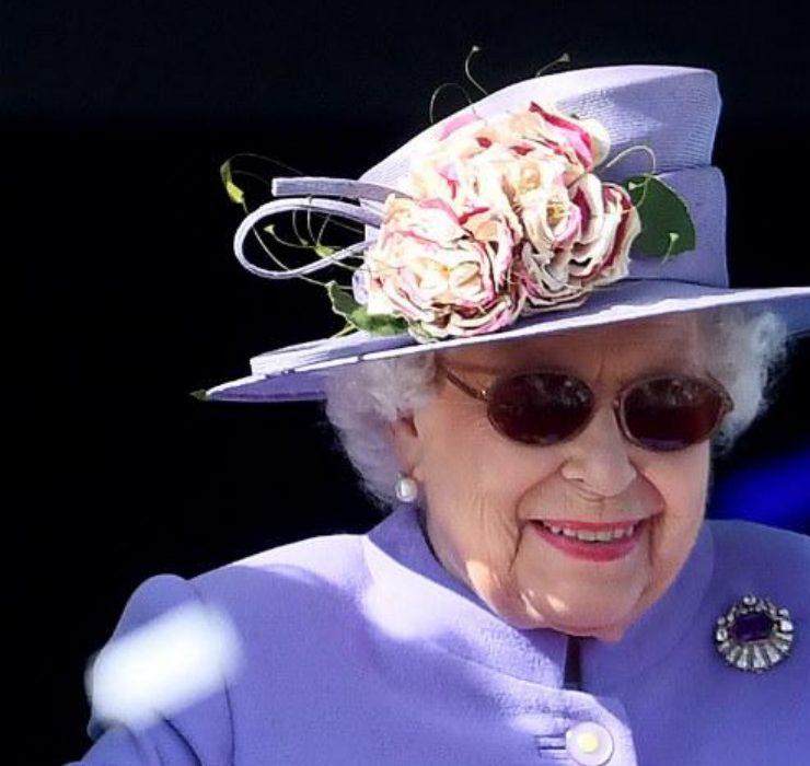 Елизавета II не планирует возвращаться в Виндзор для выполнения королевских обязанностей
