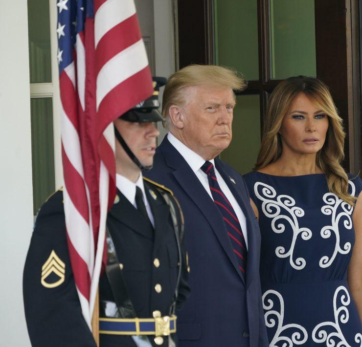 Меланію Трамп розкритикували за сукню Prada вартістю 3700 доларів