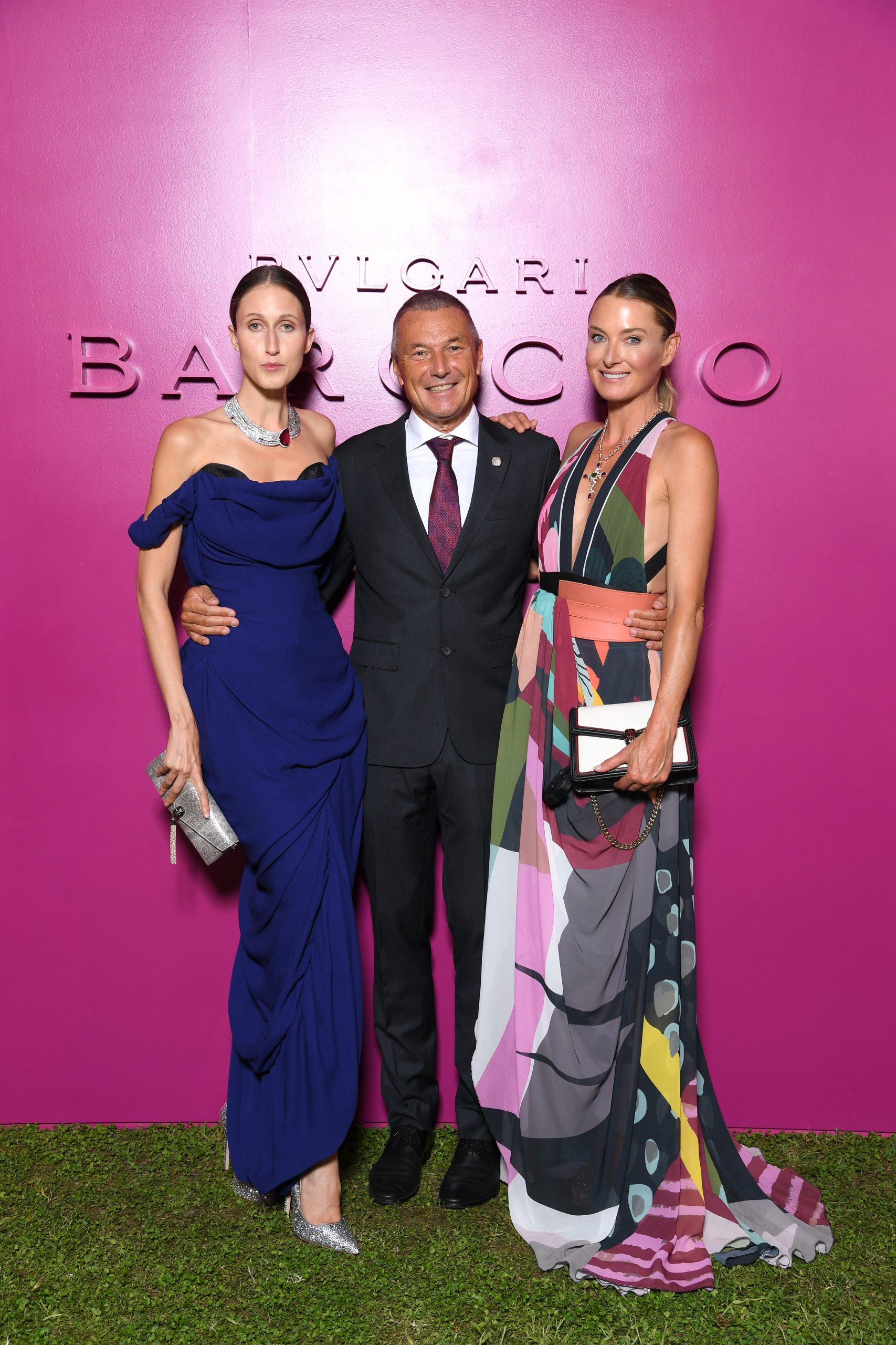 В духе барокко: Тина Кунаки, Китти Спенсер и Поппи Делевинь на показе Bvlgari в Риме