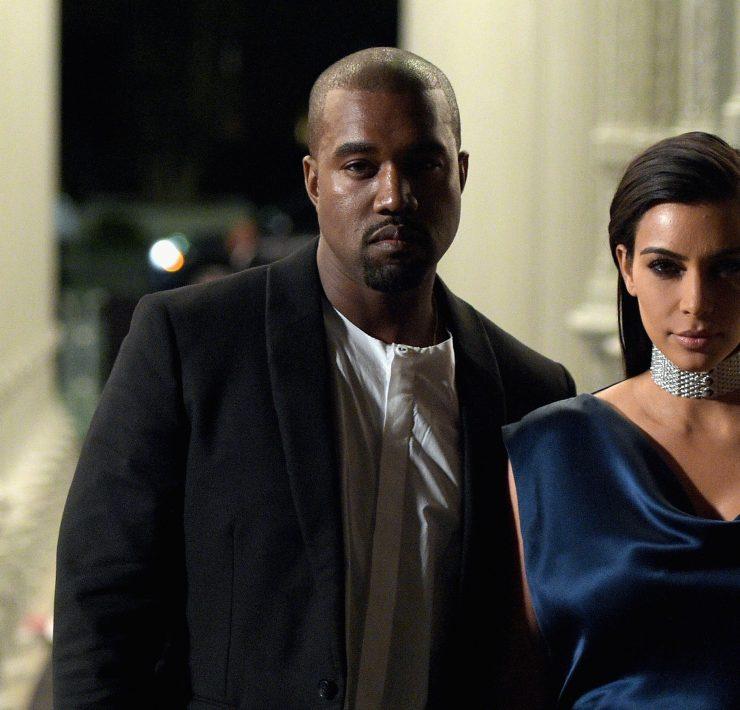 Знак протеста: зачем Ким Кардашьян, Леонардо Ди Каприо и другие звезды заблокировали свои соцсети