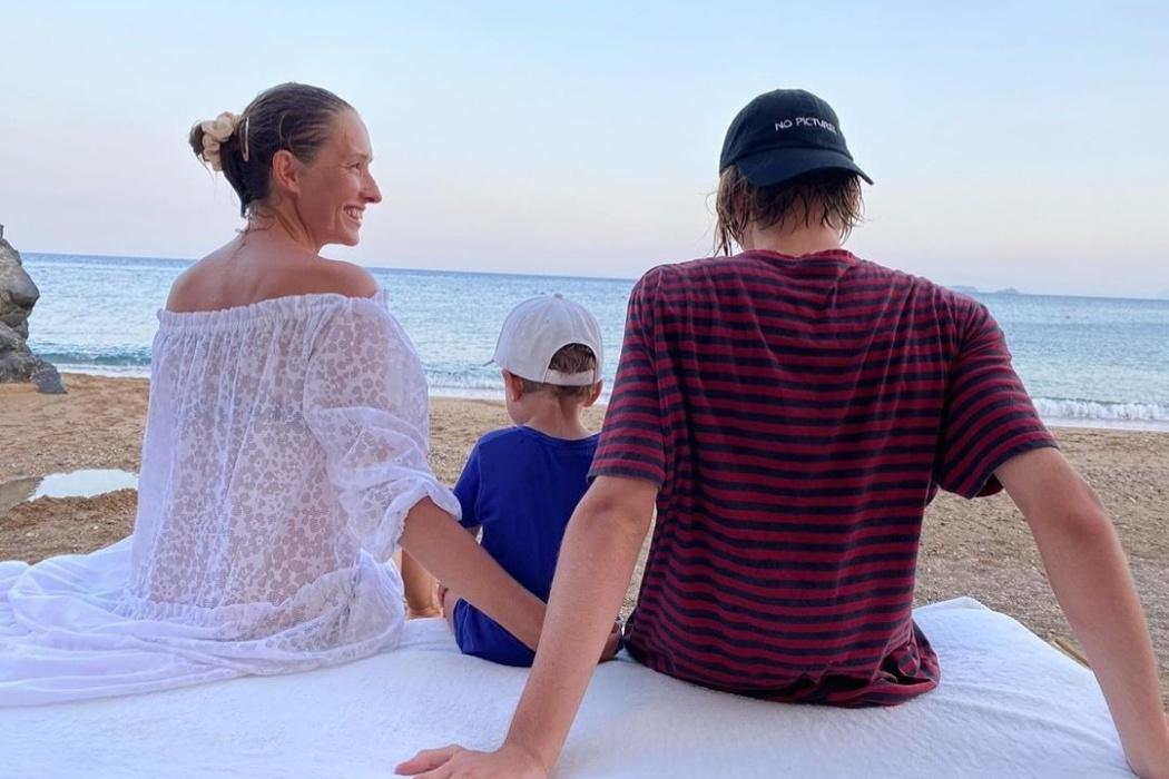 «Илье сегодня 18». Катя Осадчая трогательно поздравила старшего сына с совершеннолетием