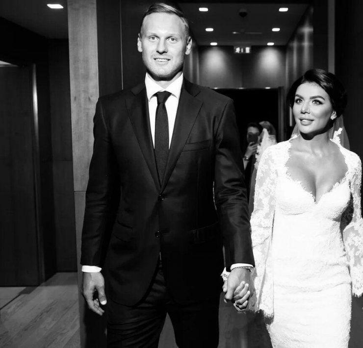 Это официально: Анна Седокова вышла замуж в третий раз