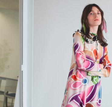 Яркая клетка и сочные осенние краски на платьях из новой коллекции POUSTOVIT FW 20-21