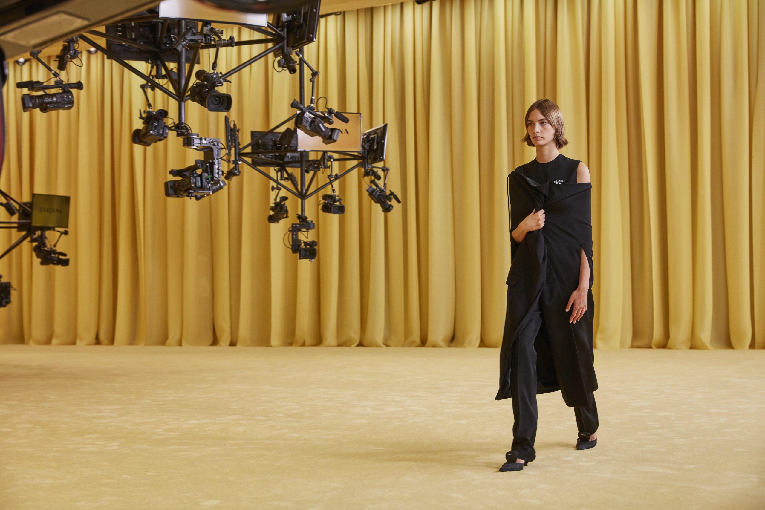 Готові до діалогу: перша спільна колекція Міуччі Пради і Рафа Сімонса для Prada