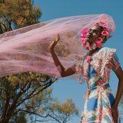 Pantone назвал 10 самых модных цветов сезона весна —лето 2021