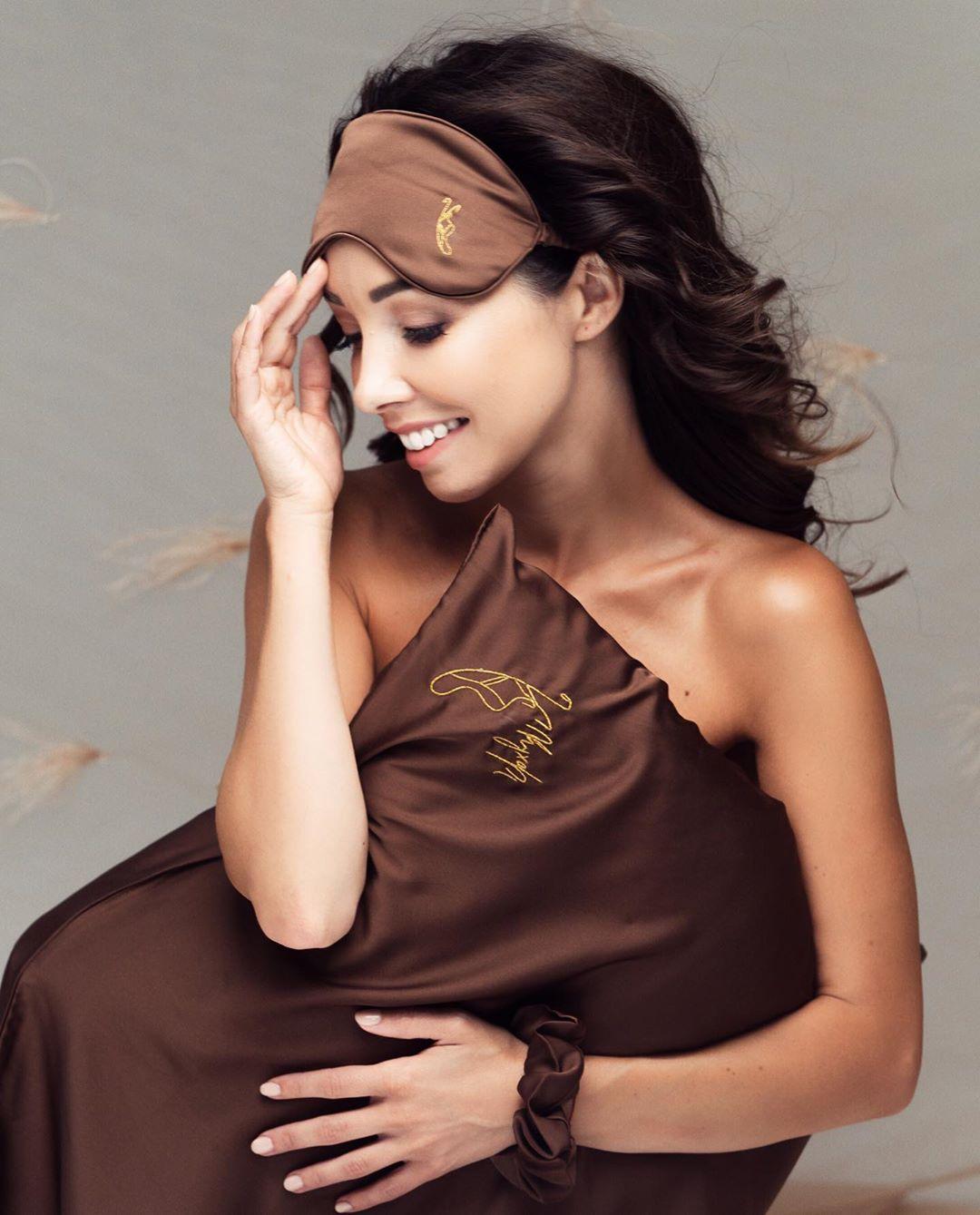 Катерина Кухар та Олександр Стоянов запустили власний бренд косметики, свічок і постільної білизни