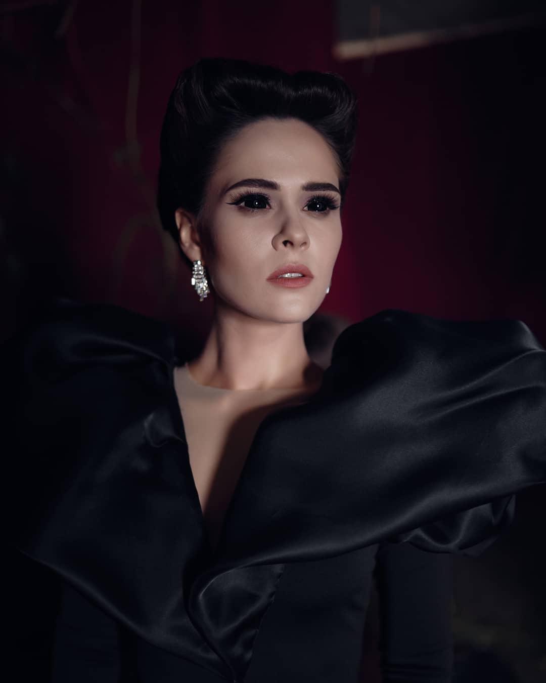Королева епатажу! 20 вражаючих образів Юлії Саніної