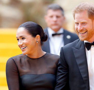 К проектированию лучшего мира готовы: принц Гарри и Меган Маркл представили первый официальный портрет после «мегзита»