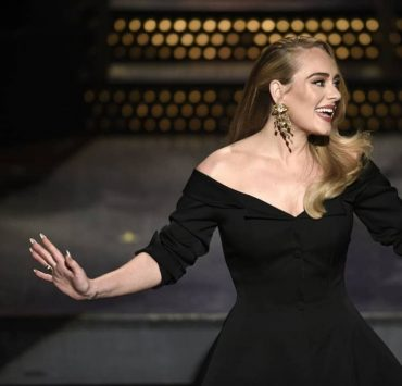 «Это половина меня», — похудевшая на 45 килограммов Адель провела шоу Saturday Night Live