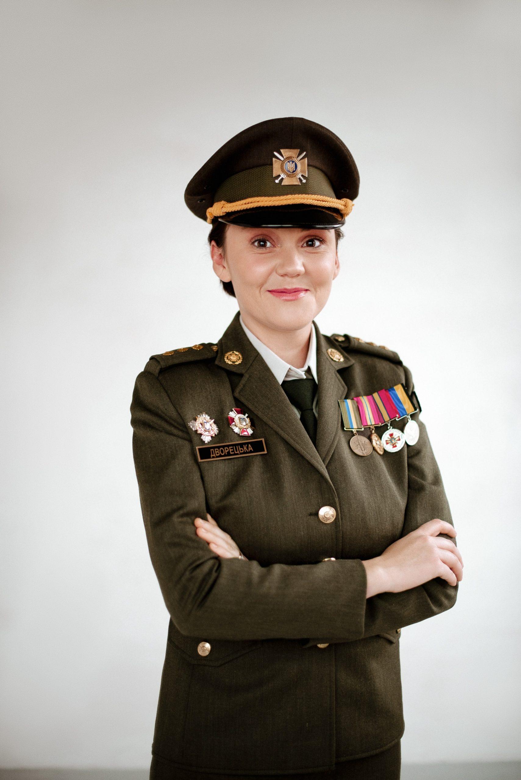 Нежные и мужественные: 12 защитниц Украины в социальном проекте «Женщина-воин в первую очередь Женщина»