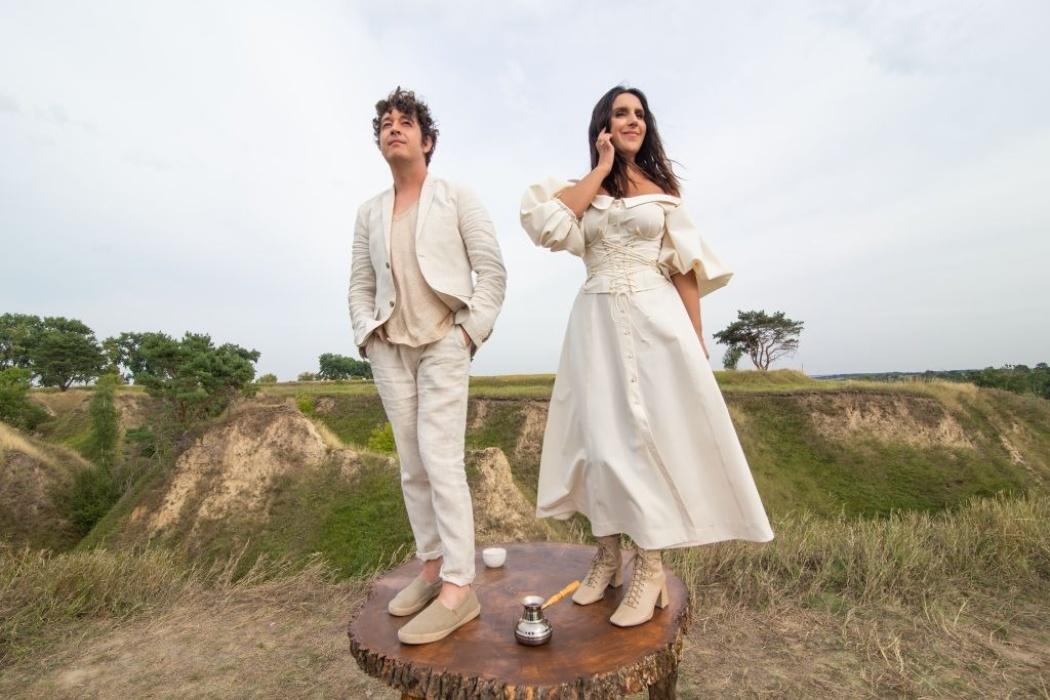 Джамала і Pianoбой закликають всіх закохуватися в новому кліпі «Ендорфіни»