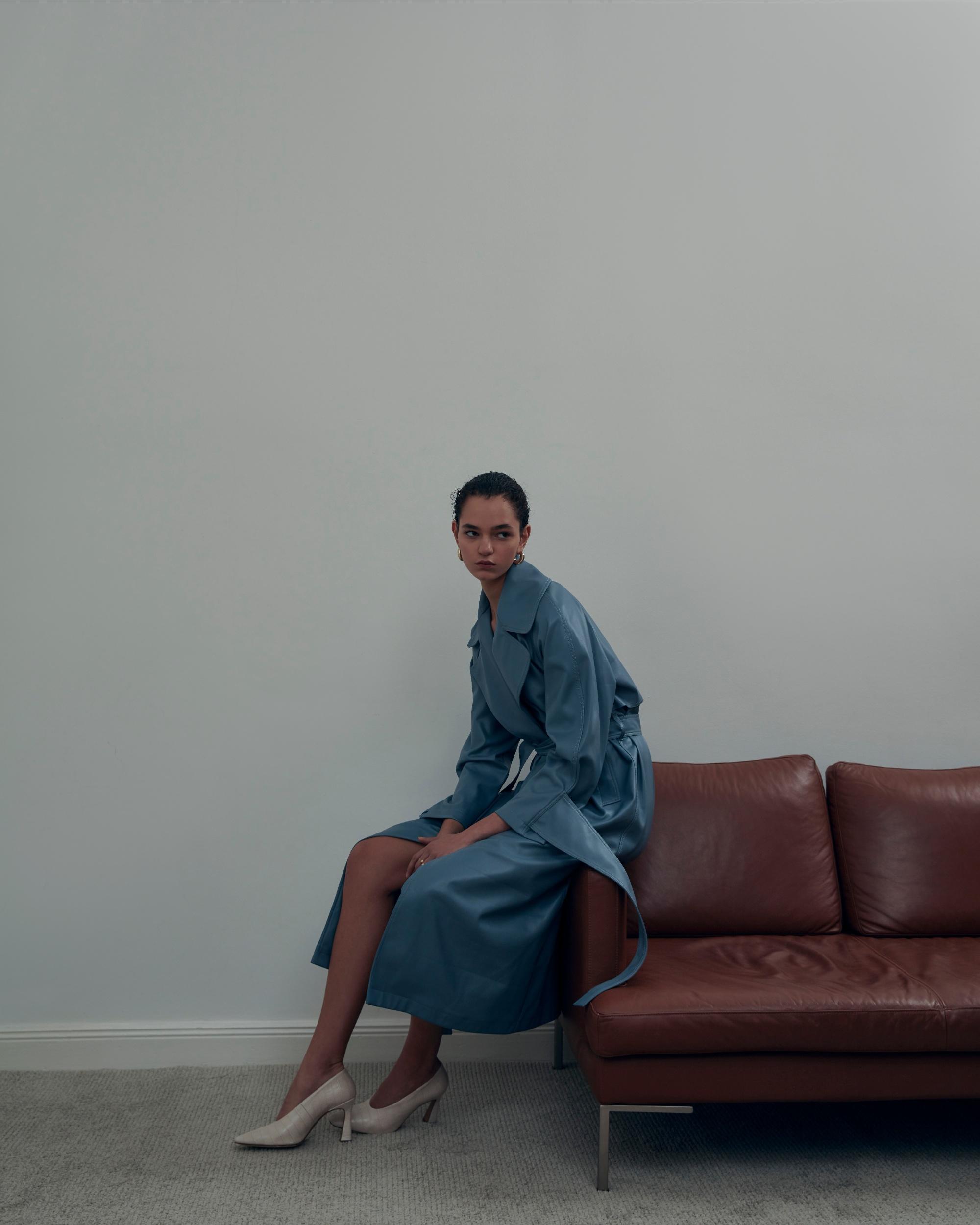 Яркие жилеты в духе 70-х, корсеты и брючные костюмы в новой коллекции Olēnich