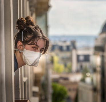 Закрытые рестораны и удаленная работа: Франция вернула всеобщий карантин